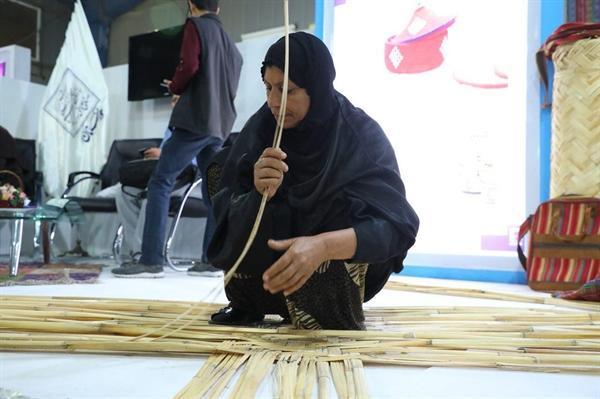 آموزش رایگان رشته های صنایع دستی به افراد کم توان مالی در اهواز