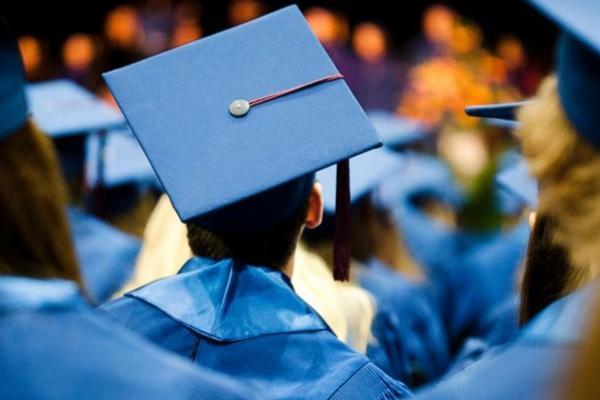 ده هدیه مسافرتی برای فارغ التحصیلان