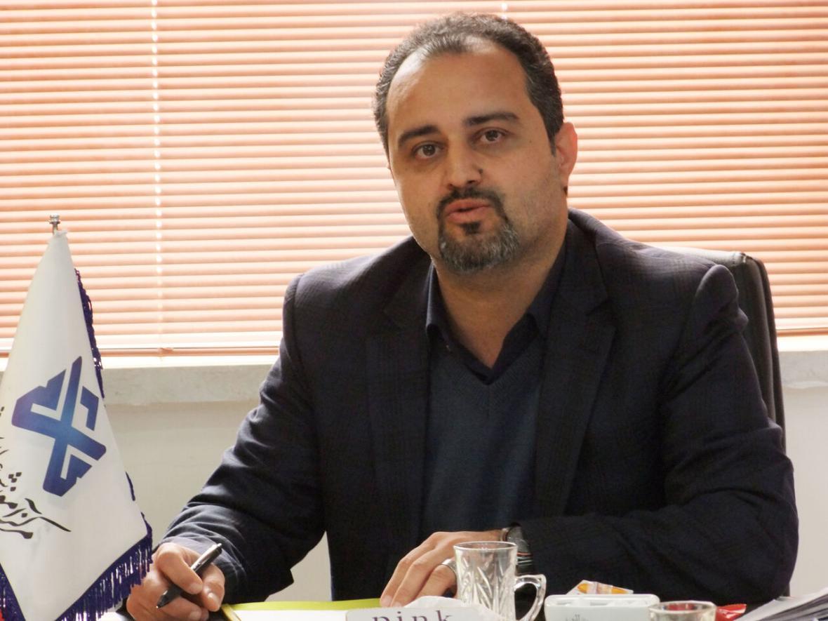 خبرنگاران بسته حمایتی اینترنت در کاشمر به دانشجو اهدا شد