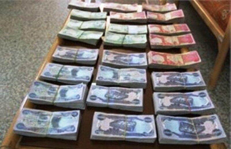 خبرنگاران سه میلیون دینار ارز قاچاق در قصرشیرین کشف شد
