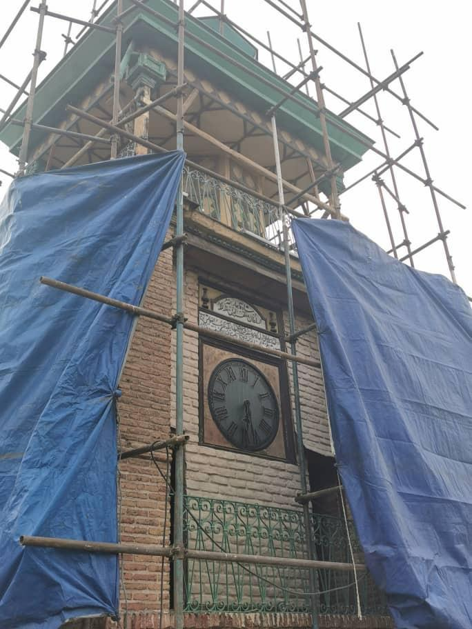 بازسازی یکی از قدیمی ترین ساعت های شهری تهران در مسجد تاریخی مشیر السلطنه شروع شد