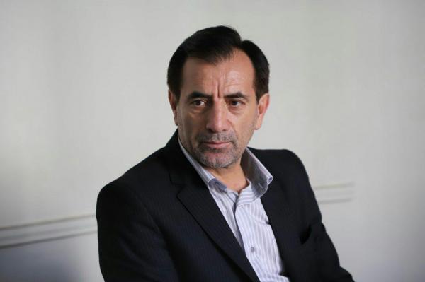 عضو مجمع فدراسیون: کیومرث هاشمى کارمند دولت است