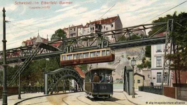 قطار آویخته آلمان 120 ساله شد؛ با این شاهکار مهندسی آشنا شوید