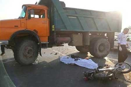تصادف کامیون در تهران 1 کشته و 2 زخمی داشت